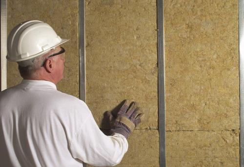 Как в квартире угловой утеплить стену. Обзор утеплителей для стен