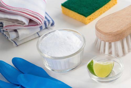 Эко средства для уборки дома. Как можно использовать обычный белый уксус в борьбе с беспорядками: