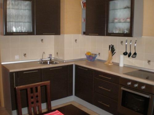 Дизайн кухни с коробом. Дизайн кухни с вентиляционным коробом — конструкция и формы
