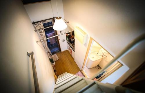 В каких квартирах живут японцы. Типичная японская квартира площадью в 8 квадратных метров поражает своей эргономичностью