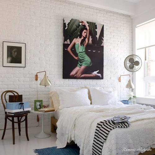Интерьер с белым кирпичом.  Чем привлекательна стена из белого кирпича?