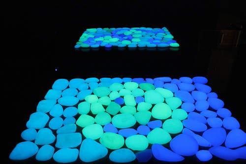 Как сделать камень с подсветкой. Делаемсветящиеся в темноте камни своими руками!
