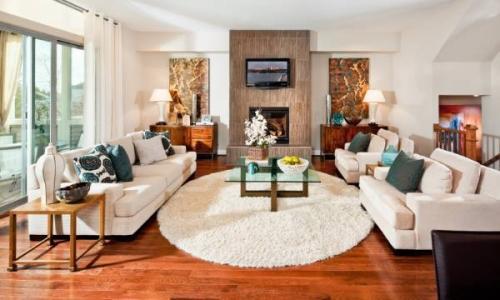 Какие сейчас в моде ковры. Какие ковры на пол в зал сегодня в моде? 10 фото в интерьере