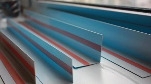 Декоративный уголок для с защелкой откосов. Как подобрать пластиковый уголок для откосов?