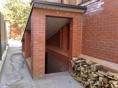 Как сделать вход в подвал. Наружный вход в подвал