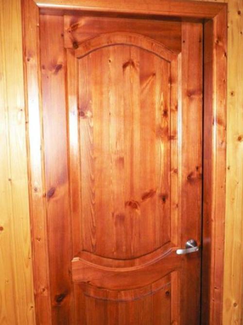 Какой лучше краской покрасить межкомнатные двери. Какой краской покрасить межкомнатные двери?