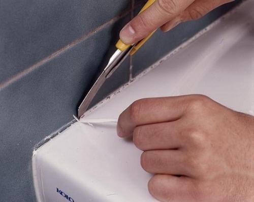 Как промазать швы между плиткой. Удаление силиконовой затирки