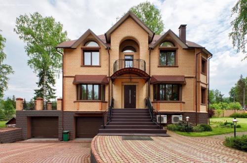 Как выбрать цвет дома фасада. Цвета фасадов – выбор цветовых решений и правила гармоничного сочетания с дизайном дома