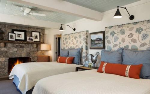 Потолок с декоративными балками. Где и как применяют балки