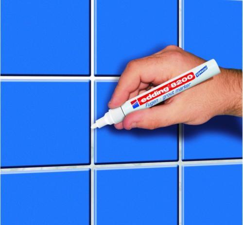 Обновить швы между плитками кафеля на старую затирку в ванной. Способ №2. Покраска швов